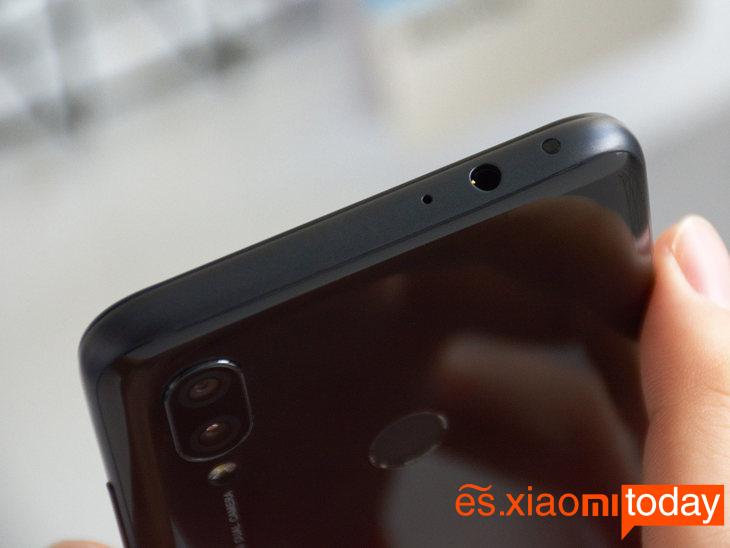 Xiaomi Redmi 7 diseño 04