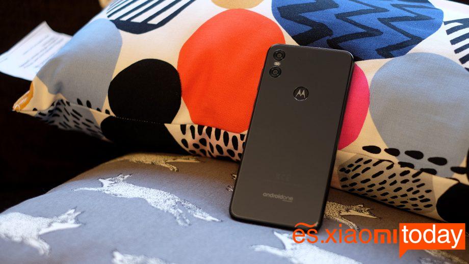 Motorola P30 Play batería 01