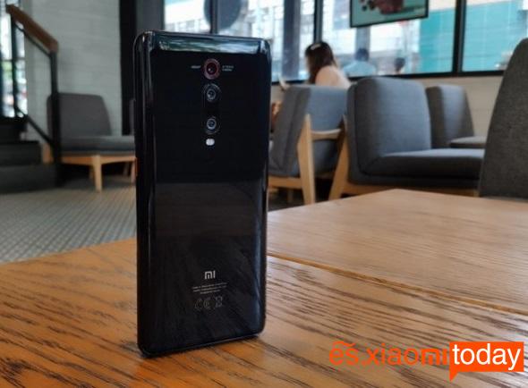 Xiaomi Mi 9Tdiseño atras