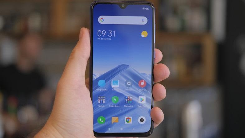Xiaomi Mi CC9e diseño frontal