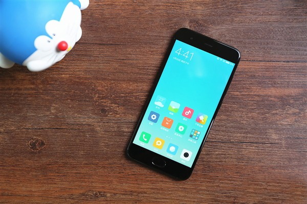El Xiaomi Mi 6 por fin obtiene la actualización estable de Android Pie