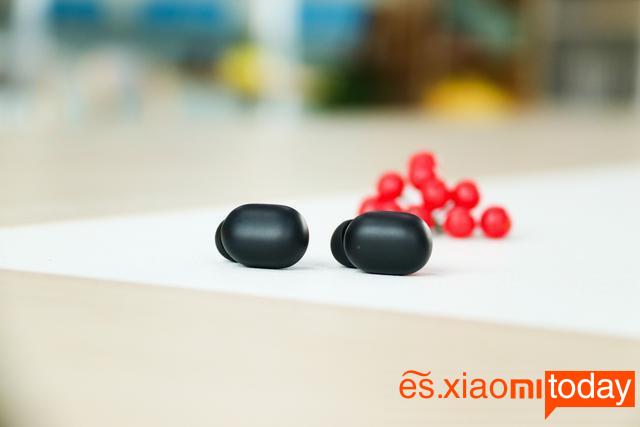 Xiaomi Haylou GT1 vs Redmi Airdots: botón y panel